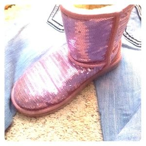 Pink sequence ugg